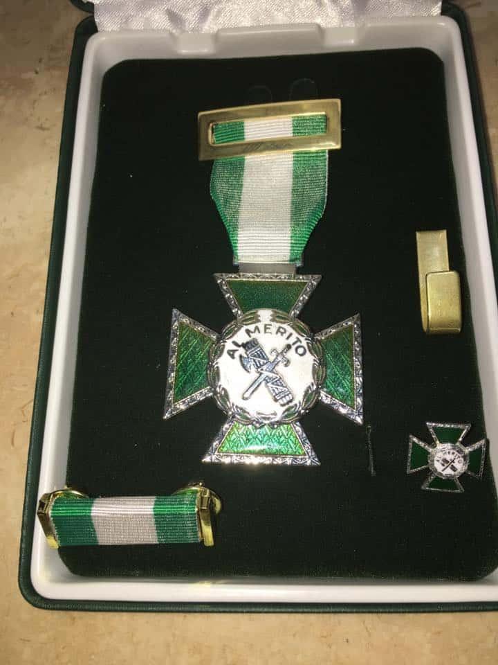 condecoracion-medalla-merito-guardia-civil-behavior-and-law