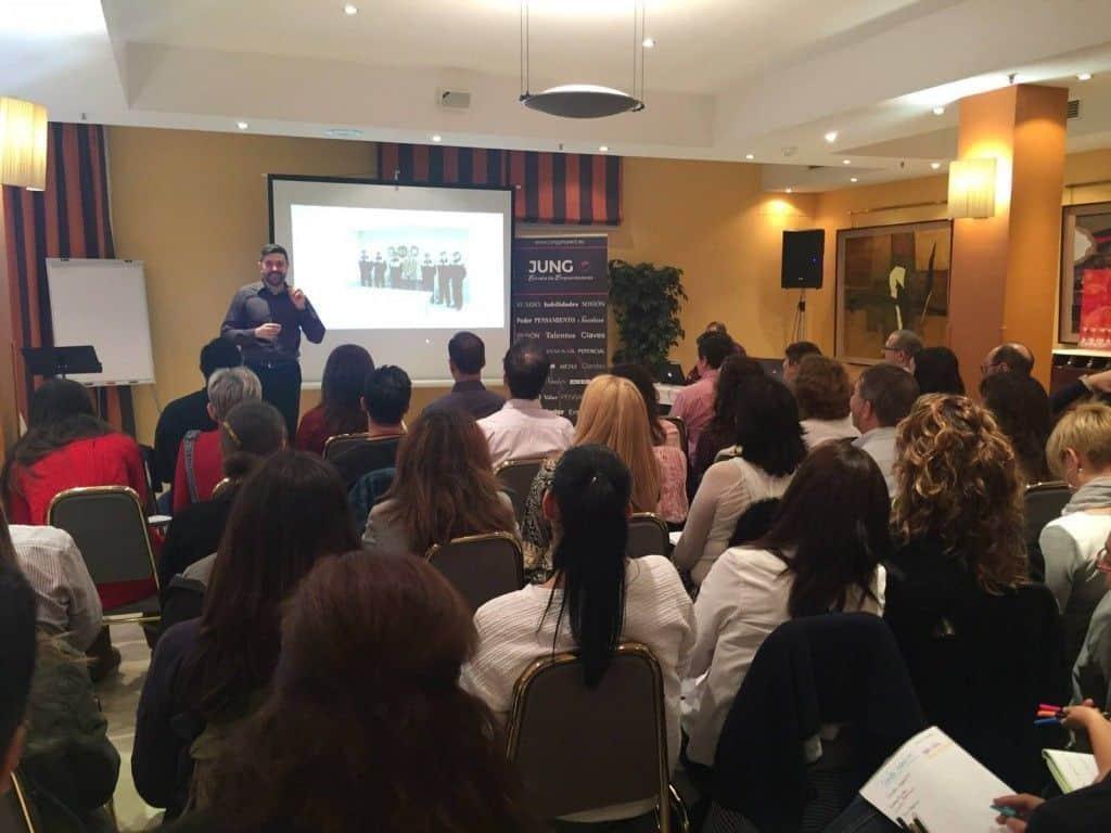 Conferencia comunicación no verbal Jung Proyect de Rafael López - Behavior and Law