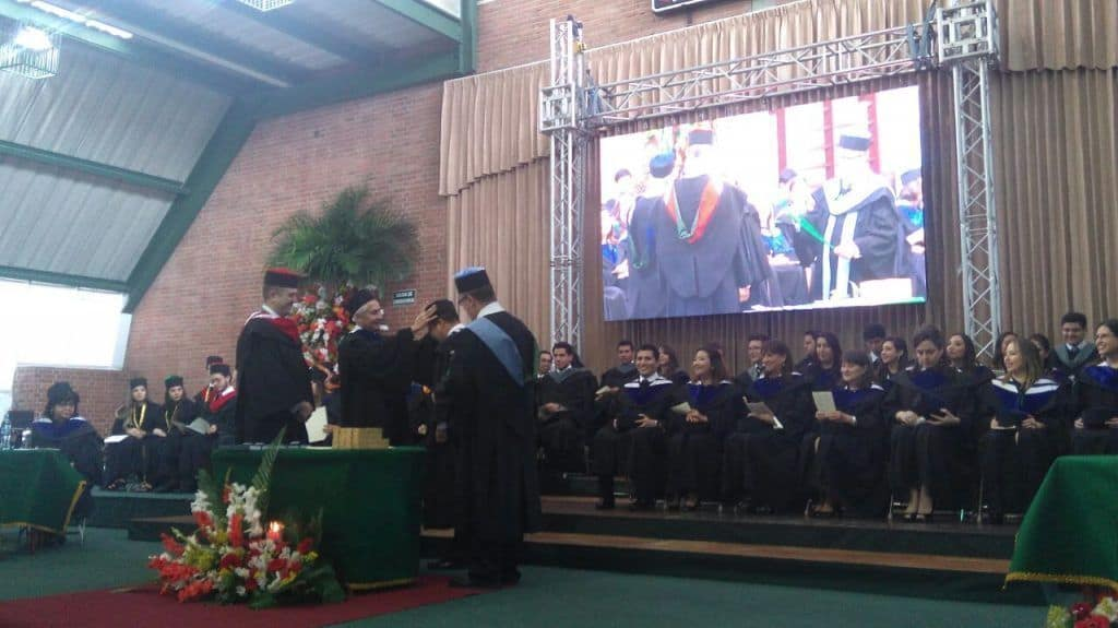 graduacion-guatemala-comportamiento-no-verbal-behavior-law